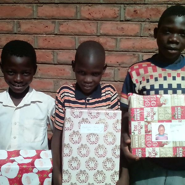 chinthowa development trust receiving Christmas gifts